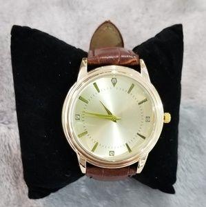 Lady's wrist watch.